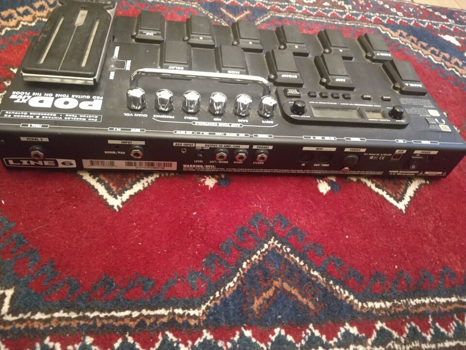 Multieffekt pedalboard, Line 6 POD XT Live