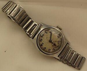 Westendwatch-Co-military-wristwatch-steel-case-29-mm-in-diameter-load-manual