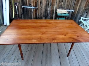 PRIMITIVE-FARM-TABLE-WITH-TURNED-LEGS