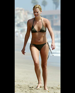 CHARLIZE-THERON-8X10-PHOTO-PICTURE-SEXY-HOT-CANDID-57