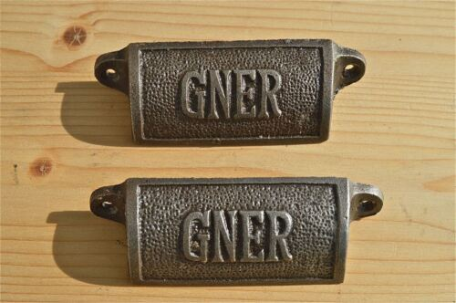 PAIR OF ANTIQUE STYLE GNER CAST IRON FURNITURE HANDLE RAILWAY DRAWER PULL WH33