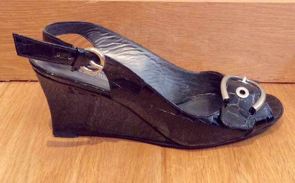 STEWART WEITZMAN RUSSELL BROMLEY SIZE SW 7.5 UK WEDGES 5.5 BLACK LEATHER  WEDGES UK cf8e1a