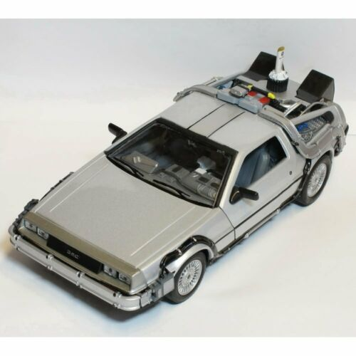 Welly TY4173 Back to the Future BTTF 2 Delorean 1:24 Scale Diecast Model Car