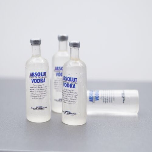 2 x Mini Prop Vodka Bottle For 1/6 Scale Male 12 Action Figure 1:6 Model HT Toy