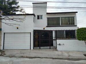 Casa En Venta Tejeda ¡OPORTUNIDAD! 4 Rec T-200m2 C-317m2  Excelente Precio Querétaro. B1