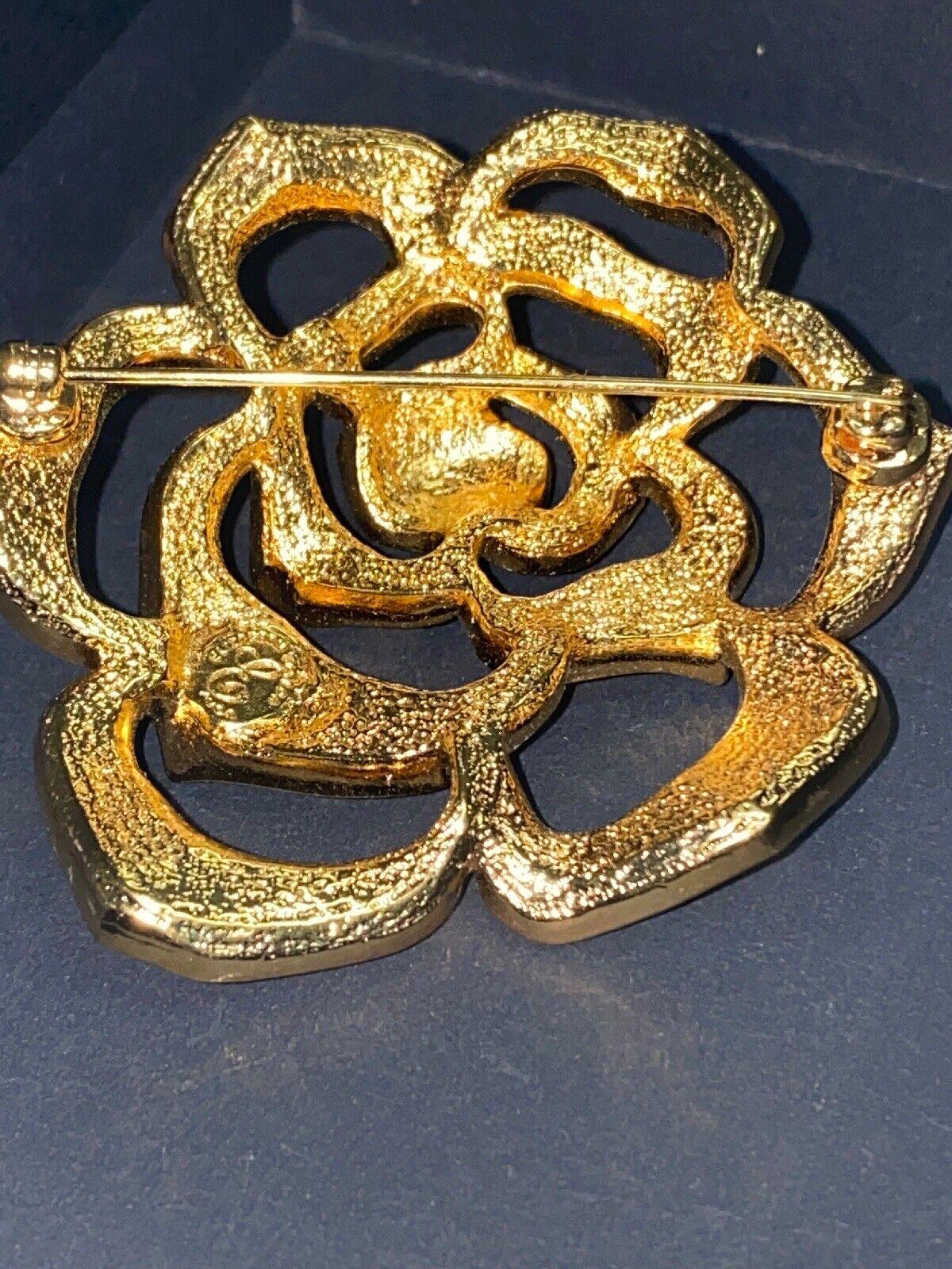 Vintage Elizabeth Taylor Crystal Paved Roze Pin - image 4