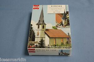 Busch-1430-Wooden-Church-HO-scale