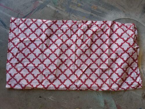 """Pottery Barn /""""Red//White Arabesque Design/"""" King Pillowcase"""