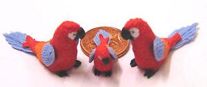 1:12 Scale 2 Parents & Bébé Rouge Perroquet Maison De Poupées Miniature Oiseaux Exotiques P12-afficher Le Titre D'origine