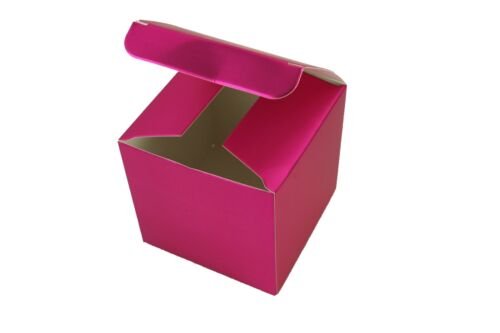 """PACK OF 10 fold-up Favor Paper Gift boxes 3/"""" x 3/"""" x 3/"""" Cube"""