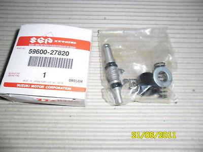Lot of 2-12522916 Blue Fuel Line Clips GMC C-3500 2003-2005 Truck