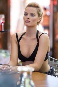 sexy Margot robbie