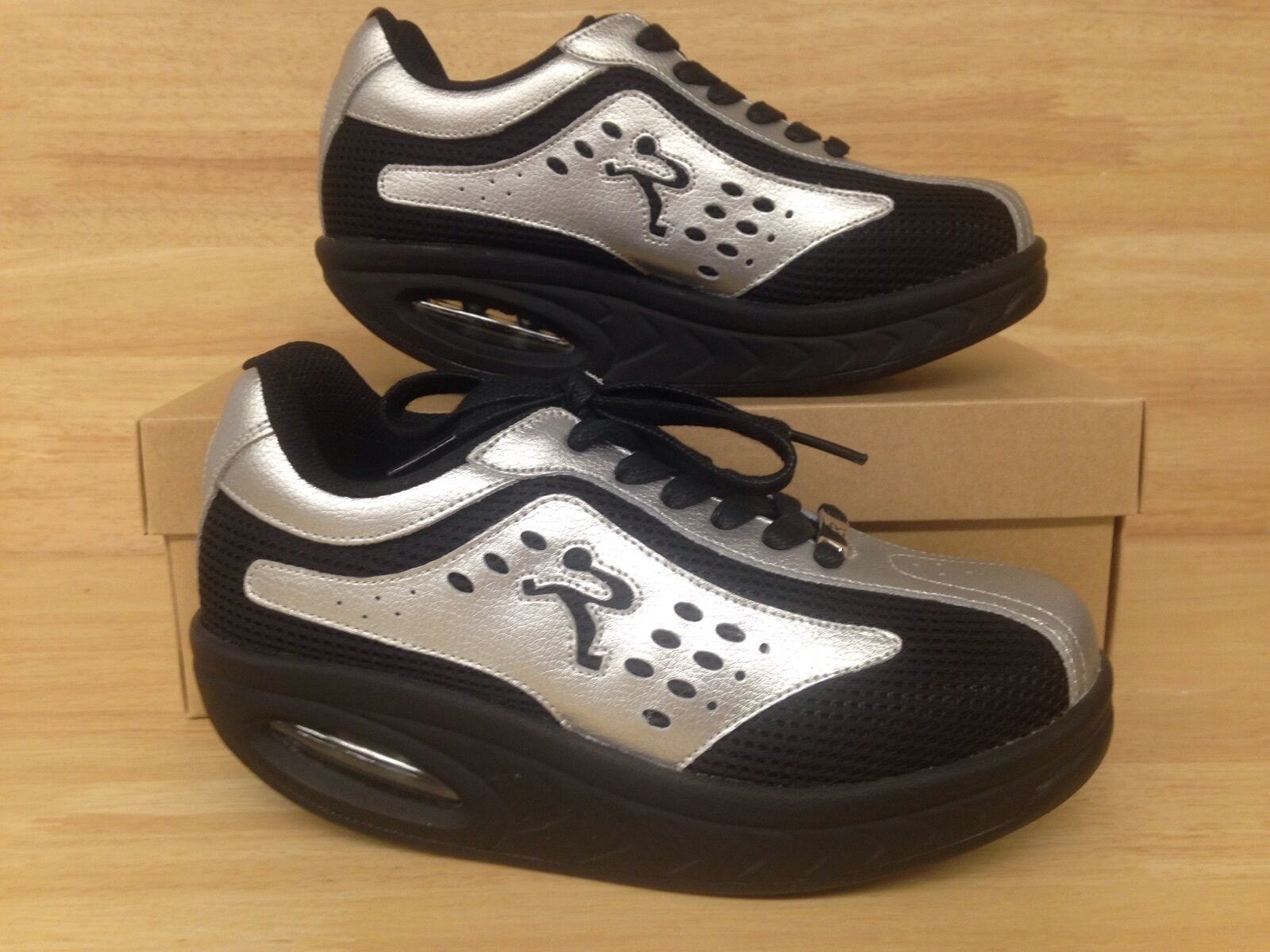 Ryn Nazca Black & Silver US Size 6.5 (Kor 235, Eu 37.0, )