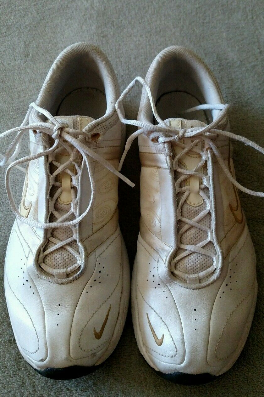 NIKE Cross Training sneakers Womens Womens Womens white leather Size 8.5 Tennis Athletic Shoe 4ce842