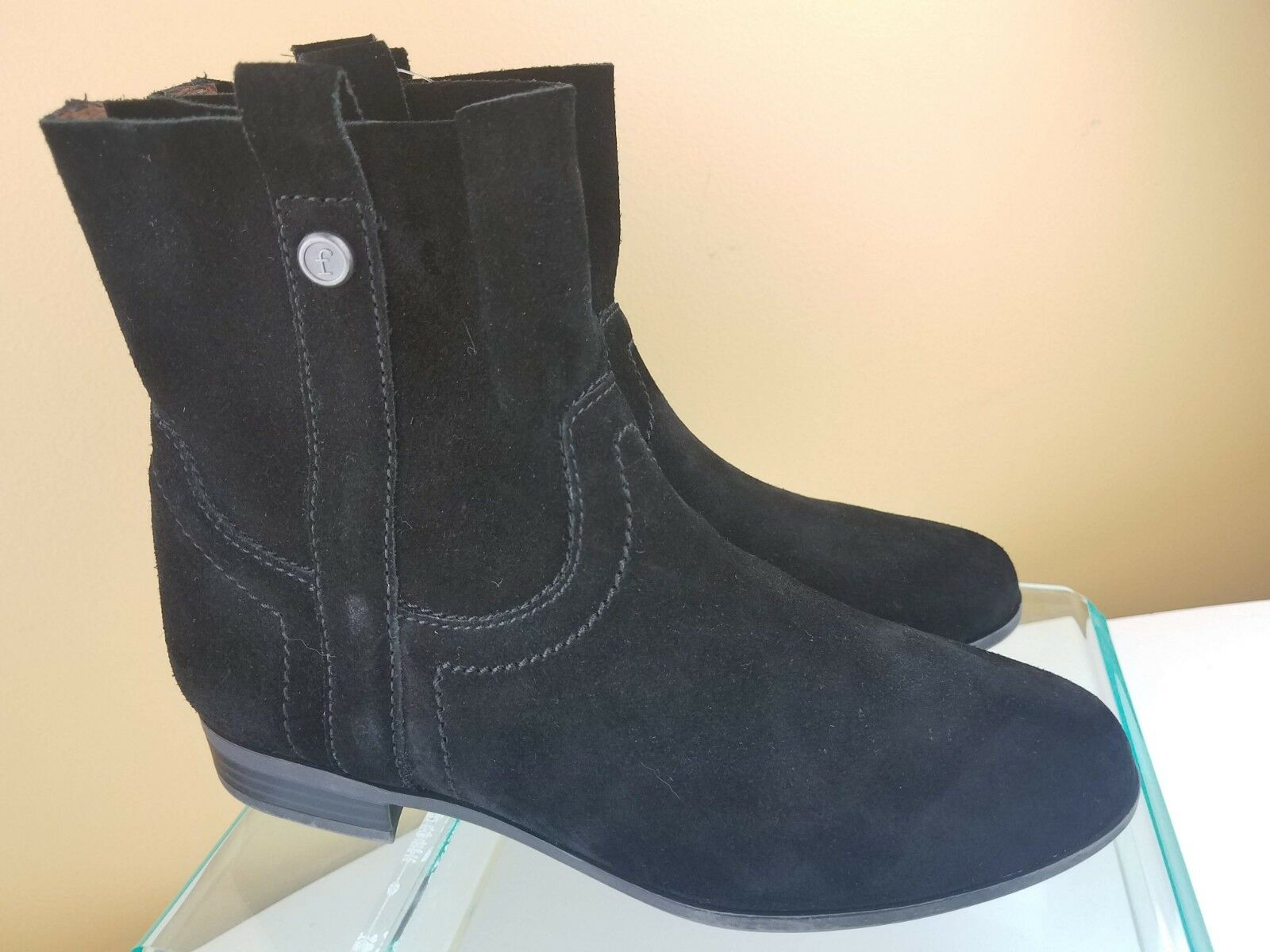 NWT Frye & Co. Women Sarah Suede Slip On Black Ankle Bootie Boots SZ 6