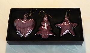 Weihnachtskugeln-violett-Christbaumkugeln-lila-Kugeln-lila-Baumschmuck-lila-Baum