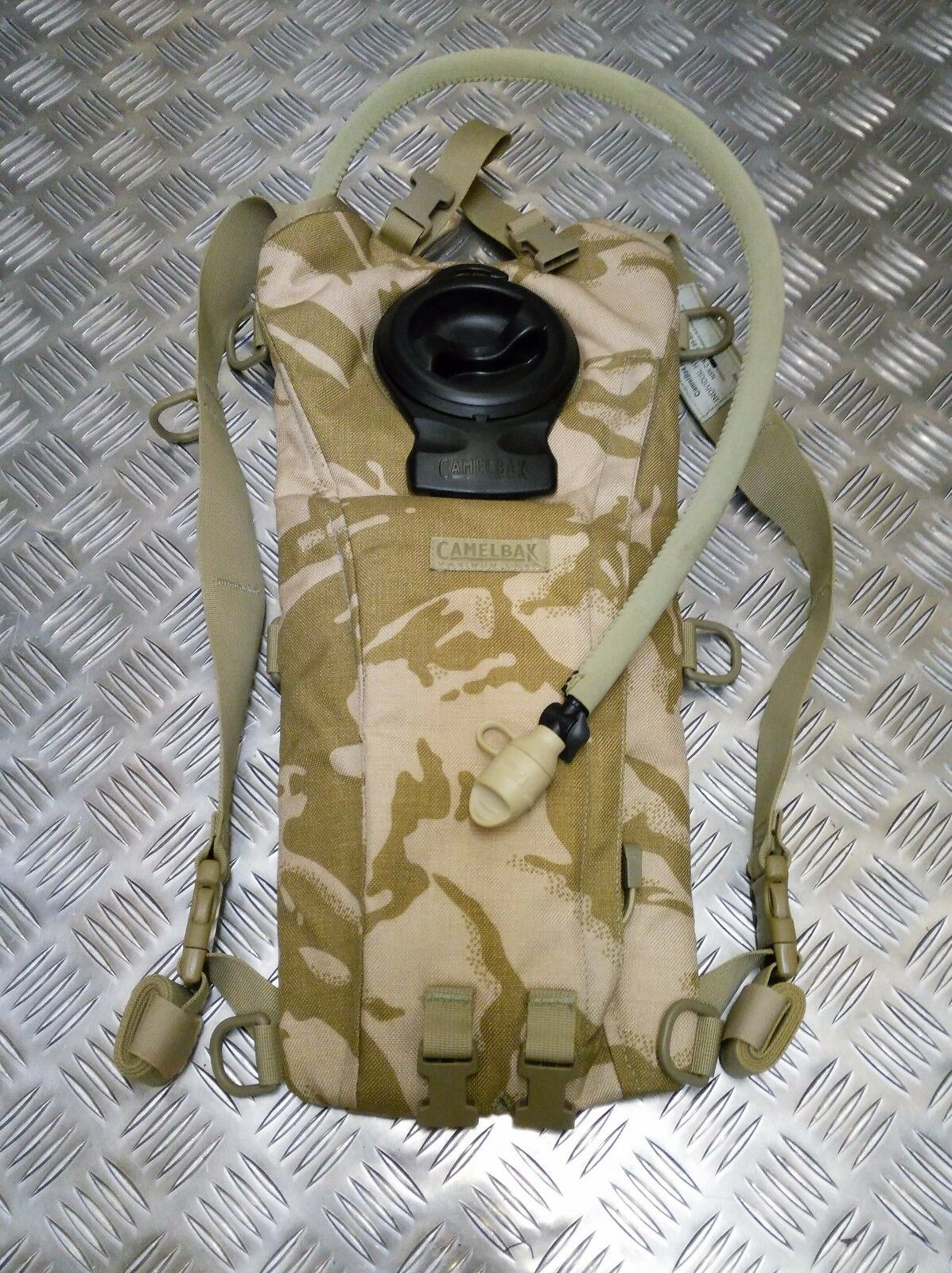 Echtes Britisches Armee Ausgabe CamelBak Trinksystem DPP WÜSTE CAMOUFLAGE 2.2L L