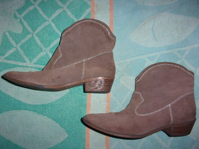 Mossimo WESTERN Boots WOMENS SIZE 7 1 2