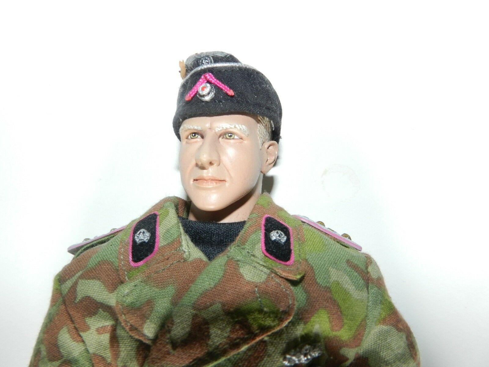 1 6 SCALE ITPT   WW2 GERMAN PANZAR OFFICER IN CAMMO