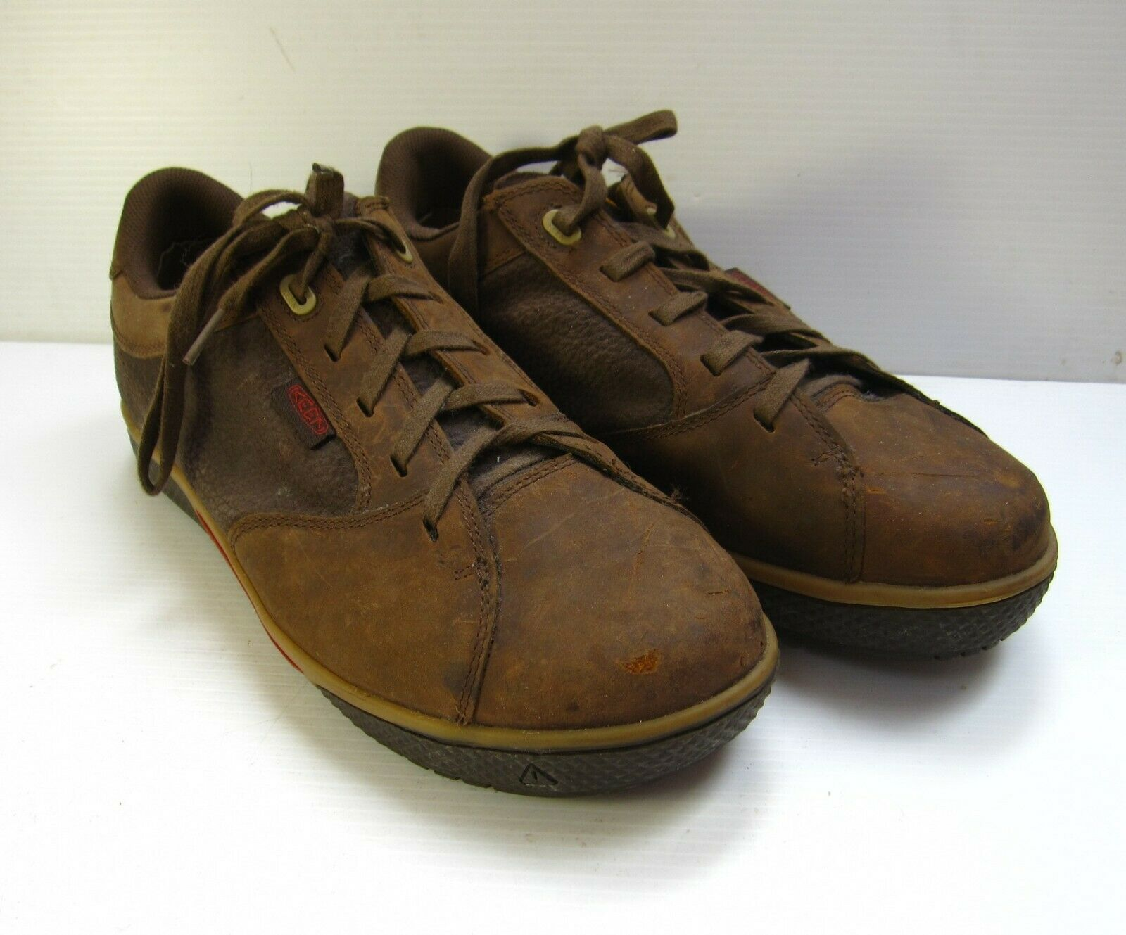 KEEN ESO LOW CUT STEEL TOE SHOES SIZE 10.5 BROWN