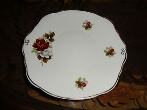 Un-Named-Pretty-Red-And-White-Roses-Flowers-Cake-Plate