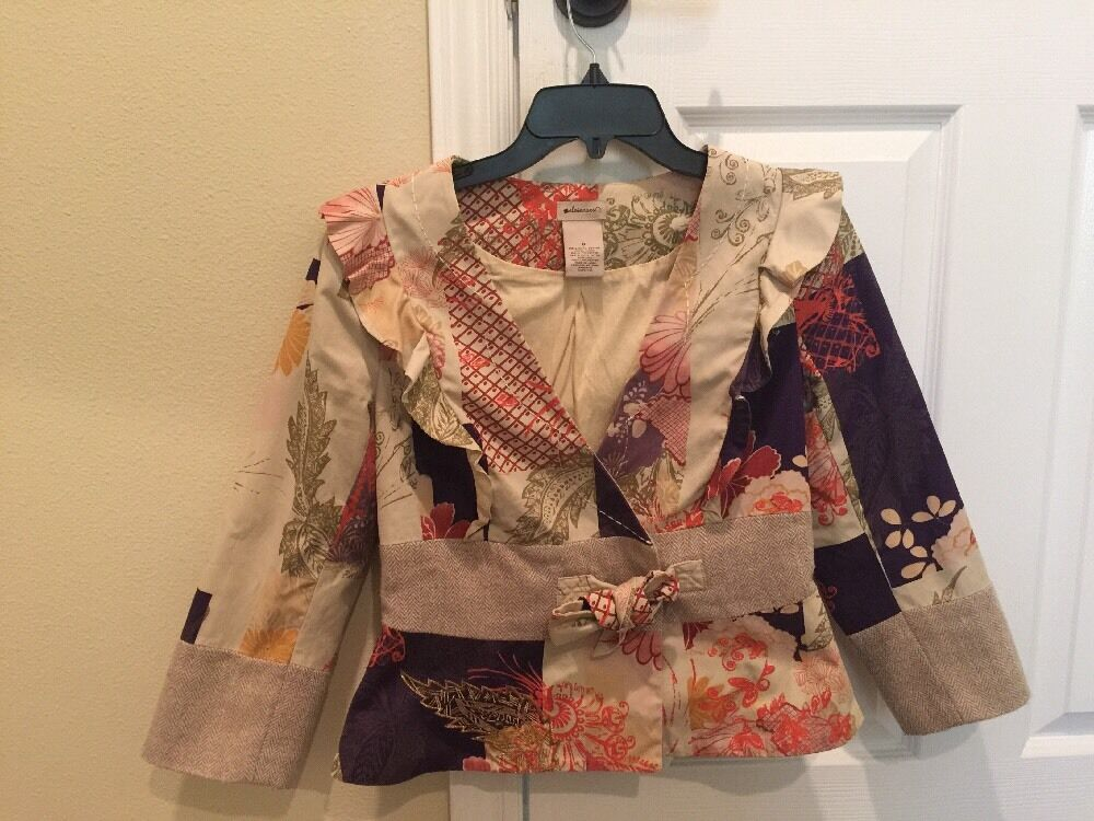 Beautiful Vintage Floral Blazer With Ruffles