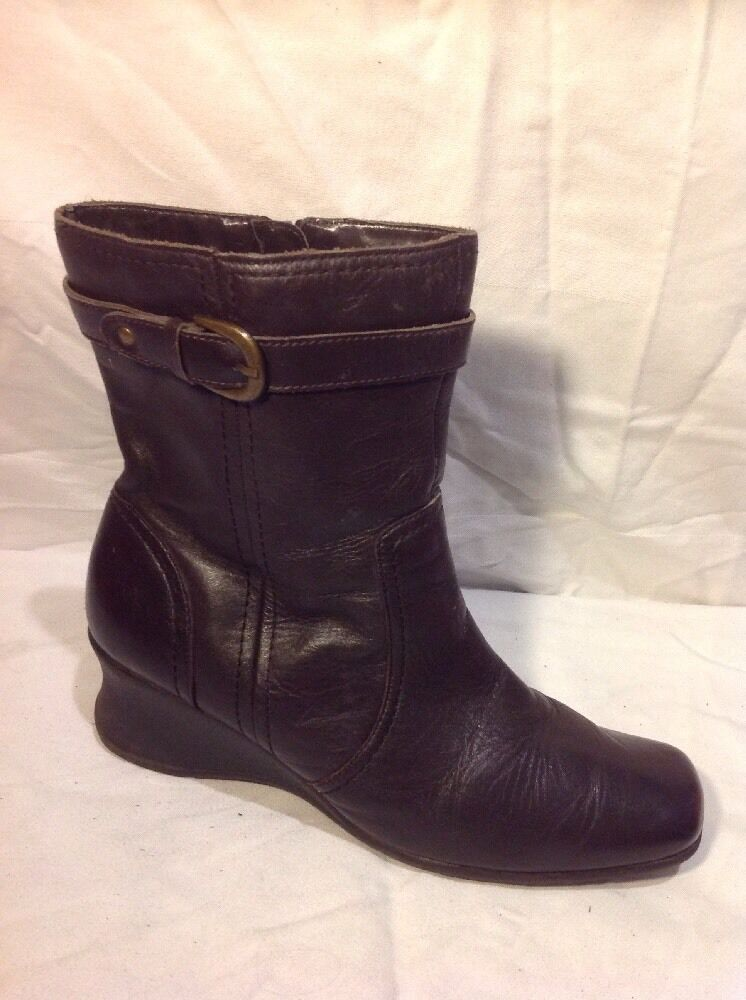Caravelle Brown Ankle Leather Boots Size 8