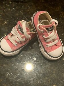 Converse All Star Pink Infant Toddler Girl's Size 4 Low Tennis Shoes In EUC!
