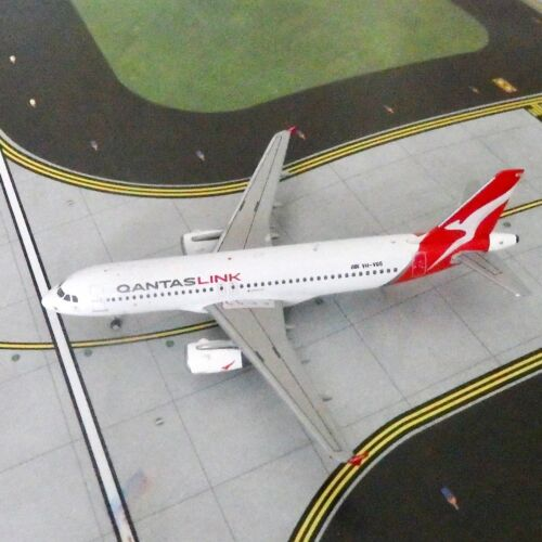 Qantas Link A320  Diecast Model Aircraft, 1/400 scale Gemini Jets GJQFA1772