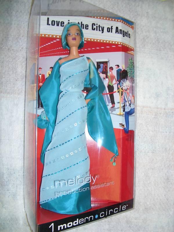 Barbie Modern Circle vestimenta formal Melody  Nuevo  en los tejidos