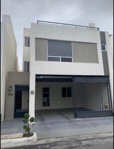 Casa en renta Cerradas de Anahuac sector premium Escobedo