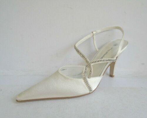 Anne Michelle L2R909 Ladies White Bridal Shoes w//Diamante Detail R30A