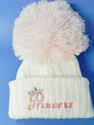 0-3 Mesi Princess Bianco/rosa Pom Pom Bobble Cappello- Prodotti Di Qualità In Base Alla Qualità