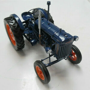 Model-Tractor-Fordson-Major-E27-1945-1-16th-Scale-By-Universal-Hobbies