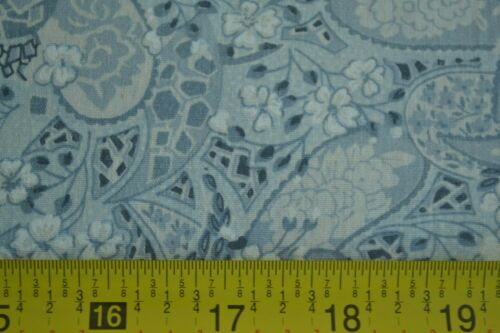 """C2268 Paisley on Dusty-Blue Quilter/'s Cotton 24/"""" Long x 43/"""" Wide"""