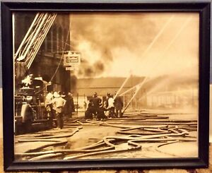 Vintage-1950s-Rare-8-X-10-Fire-Fighters-Fighting-A-Fire-In-Town-Real-Photograph