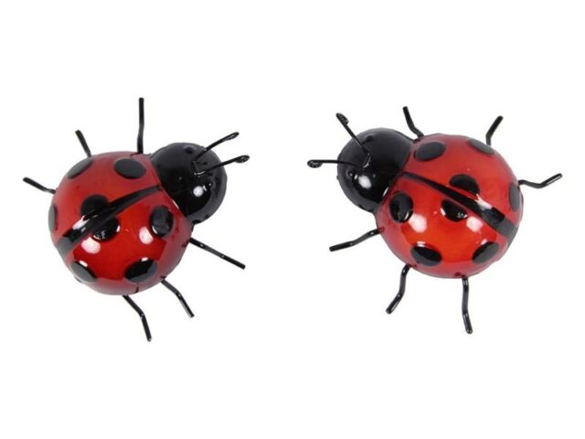 1 x Cute Red Metal Art Ladybug Statue Wall Hanging Lady Beetle ~ Small ~ 9cm