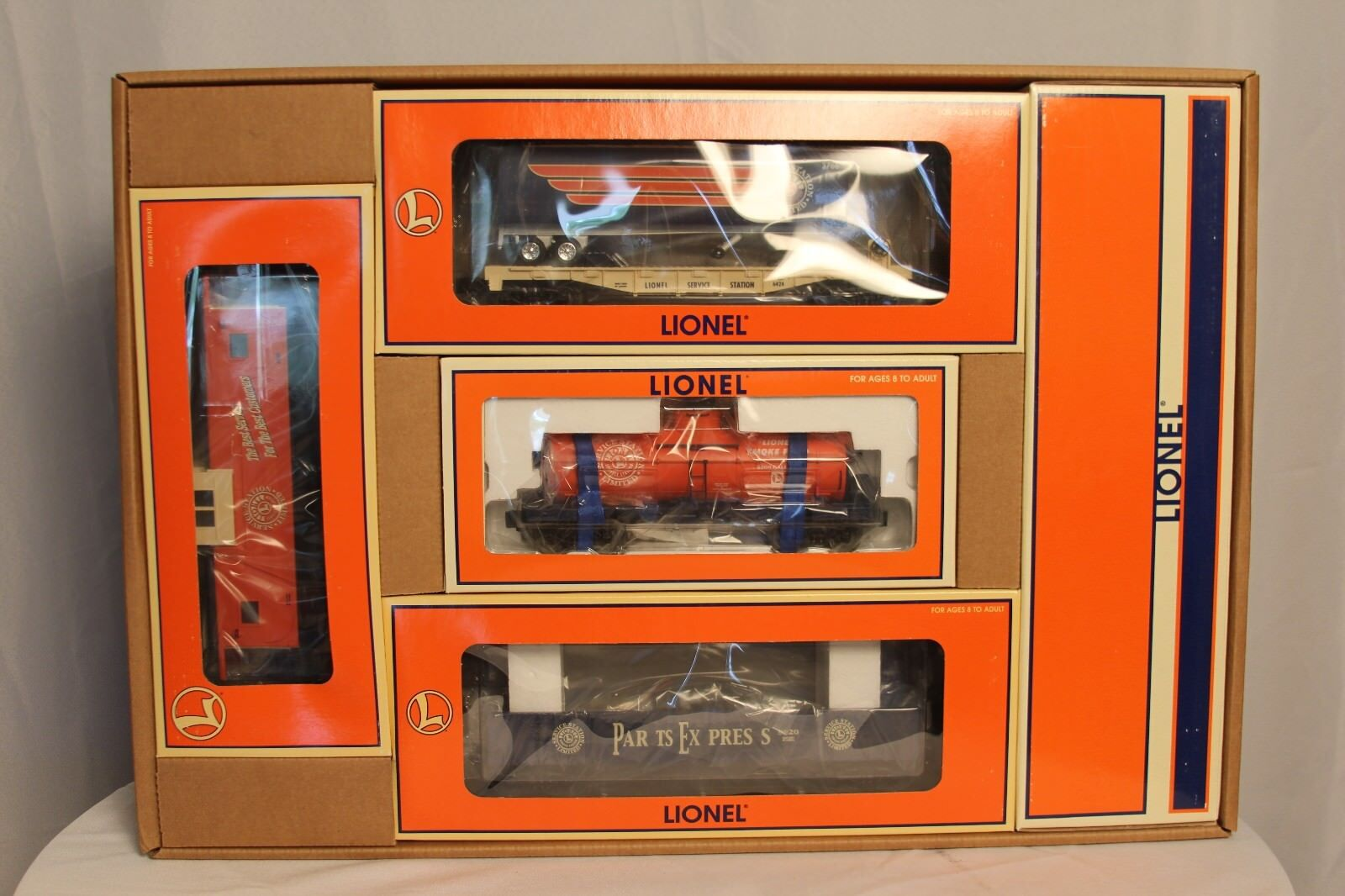 LIONEL 2000 SERVICE STATION SPECIAL SET  LIMITED EDITION NOS