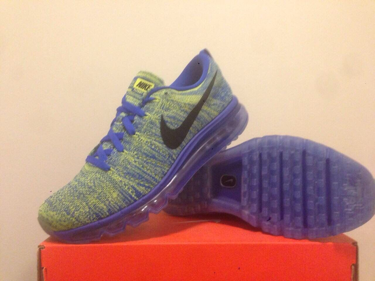 Nike Flyknit Max (bluee multi color) Mens Us Size 10  (no box cover) Retail 220