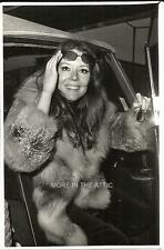 YOUNG SEXY DIANA RIGG OF THE AVENGERS FAME ORIG OOAK PRESS PHOTO #5
