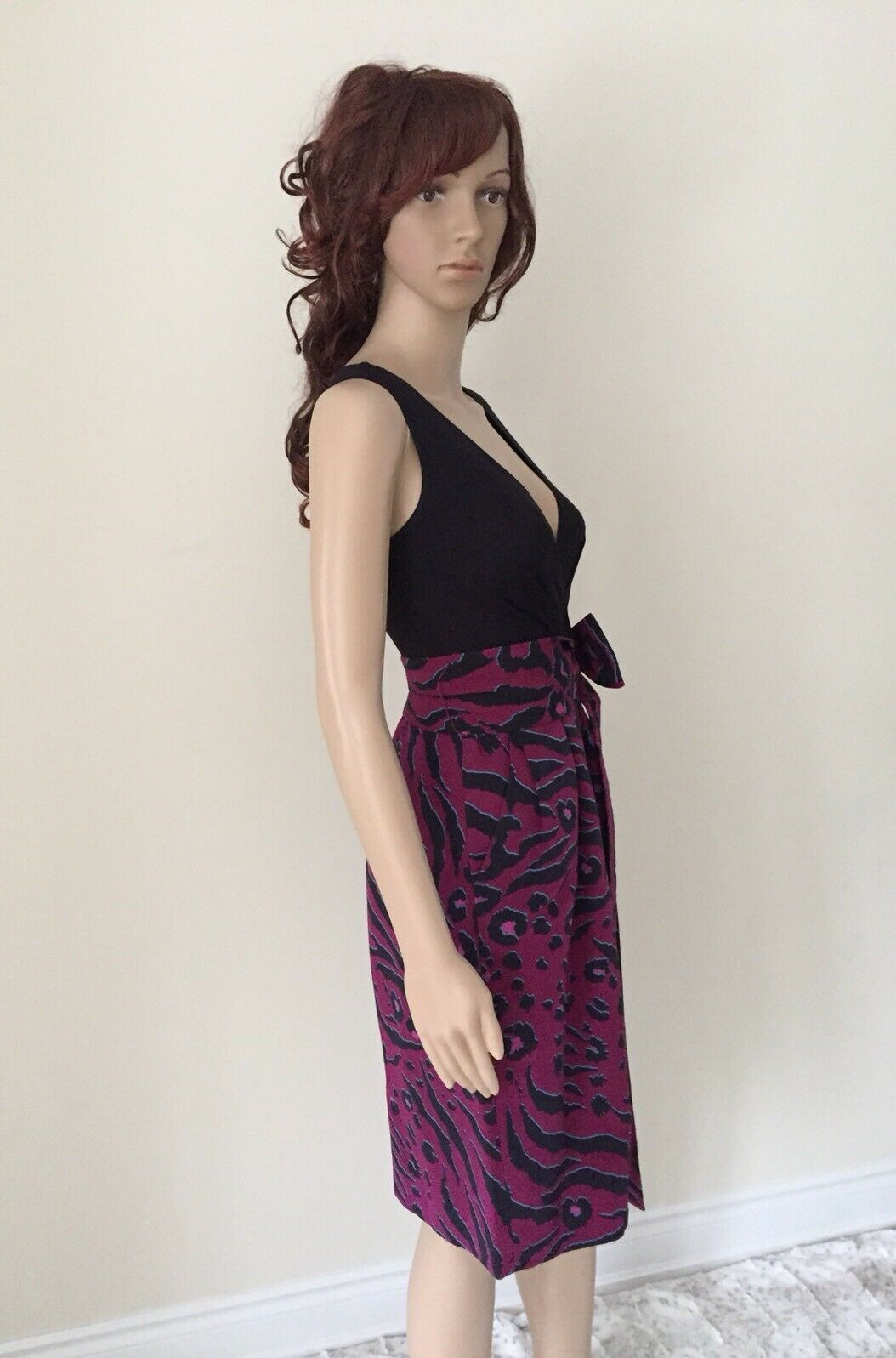 EUC DKNY two tone dress with the bow bow bow size 2 92b57a