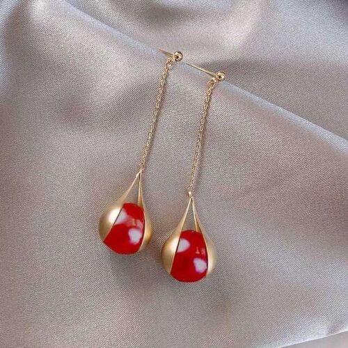 Boucles d/'oreilles Doré Clous Linéaire Perle Rouge Pétale Métal Mariage EE11