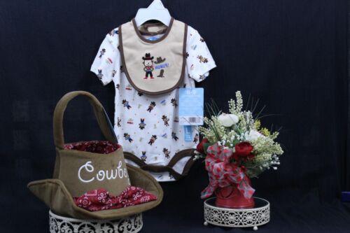 VITAMINS Baby HOWDY Bodysuit /& Bib  0-3 3-6 6-9  Mos NWT I-58