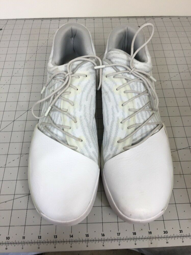 Adidas James Harden vol.1 Disruptor Low lifestyle white and gray boost Sz 17