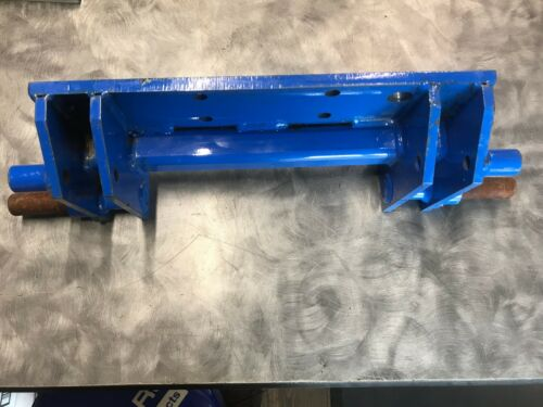 New Holland Mid Mount Bracket AUB164223
