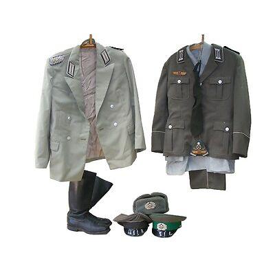 Lot Uniformen Uniform Hose Hemd Paradeuniform Schrimmütze Stiefel NVA Knöpfe