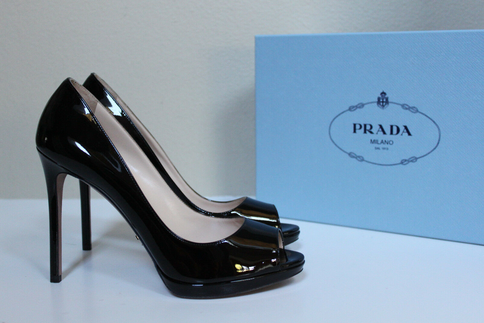 New sz 8.5   38.5 PRADA Black Paten Leather Platform Peep Toe Sandal Heel shoes