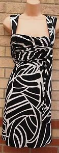 DEBENHAMS-WHITE-BLACK-ABSTRACT-LYCRA-SUMMER-SKATER-A-LINE-RARE-VTG-DRESS-10-S