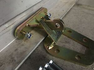 GARAGE-ROLLER-DOOR-LOCK-ZINC-PLATED