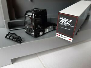 Actros-Black-ML-express-amp-Logistics-GmbH-63477-Meno-buques-Exclusiv
